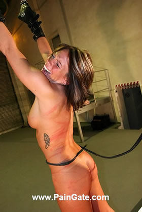 Extreme suspension and merciless bullwhipping of hardbody Shirley!